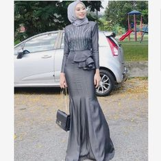 Share from fans . Just DM to share photos. Source by tizzley Share from fans . Just DM to share photos. Source by tizzley dresses hija Hijab Prom Dress, Hijab Gown, Hijab Style Dress, Casual Hijab Outfit, Kebaya Dress, Dress Pesta, Muslim Fashion, Hijab Fashion, Fashion Dresses