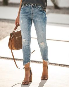 Swans Style is the top online fashion store for women. Shop sexy club dresses, jeans, shoes, bodysuits, skirts and more. Casual Summer Outfits For Women, Spring Outfits, Casual Outfits, Fashion Outfits, Fashion Trends, Denim Outfits, Spring Dresses, Boho Fashion, Plus Size Jeans