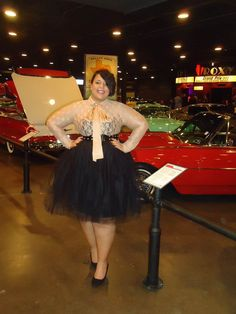 Curvy Girl Fashion - I love that skirt!