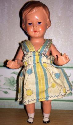 Schildkröt Puppe 12 1/2 mit Kleidchen
