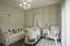Confira formas de utilização de lustres para quarto, que são peças fundamentais na decoração de um ambiente, seja grandes, pequenos, simples ou luxuosos.