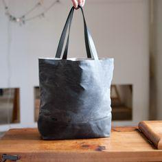 Shopper no.2 in Gray