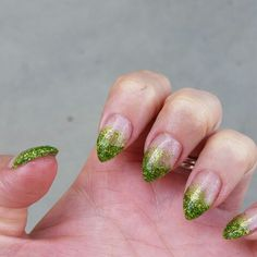 Poison ivy nails