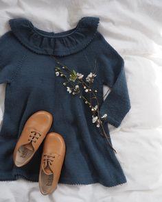Norske oppskrifter - Baby – PetiteKnit Crochet For Kids, Free Crochet, Crochet Hats, Amigurumi Patterns, Crochet Patterns, Crochet Top Outfit, Eyeglass Holder, Cotton Pads, Half Double Crochet