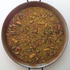 Paella de mussola i tòtena amb carxofes i pèsols #106