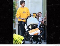 1D's Louis Tomlinson  Strollin' Solo  With Baby Freddie    3/25/2016 11:01 AM PDT BY TMZ STAFF  Louis Tomlinson turned heads while putting in quality time wi...