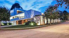 Urban Residence: A Luxurious Design of Marcelo Sodre - http://www.house-decoratingideas.com/urban-residence-a-luxurious-design-of-marcelo-sodre