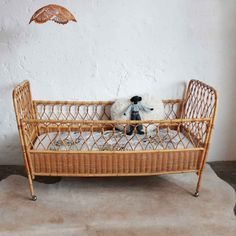 Very Nice Little Wicker Crib Bed 60s Soft Lines And Rattan