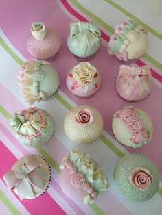 Romantic Vintage Cupcakes - Cake by CakeyBakey Boutique