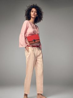 Autumn winter 2016 Women´s CHINO-STYLE LINEN TROUSERS at Massimo Dutti for 799. Effortless elegance!