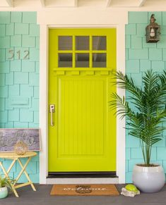beach cottage style A small beach bungalow gets a fun and colorful exterior makeover. Check out the bright pops that give this home major beach cottage curb appeal. Cottage Style Decor, Beach Cottage Style, Beach House Decor, Coastal Style, Coastal Living, Shabby Chic Veranda, Shabby Chic Porch, Cottages And Bungalows, Beach Cottages