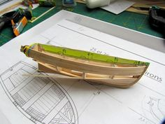 Modélisme naval - Thonnier de Concarneau - Marie Jeanne Model Ship Building, Boat Building Plans, Wooden Model Boats, Wooden Boats, Boat Projects, Diy Wood Projects, Lyman Boats, Ship In Bottle, Kids Picnic Table