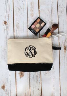 This Monogrammed Canvas Make Up Bag is just what your daily beauty routine needs! Personalize yours today at marleylilly.com! #monogram #monograms #monogrammed #marleylilly #beauty #makeup