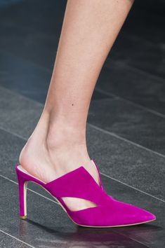 Cushnie et Ochs at New York Fashion Week Spring 2018 Pumps Heels, Stiletto Heels, High Heels, Shoes Sandals, Shoe Shelves, Fall Booties, Shoes Too Big, Princess Shoes, Kinds Of Shoes