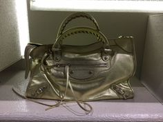 Classic bag by @balenciagaparis #Balenciaga #Classic #ClassicBag #bag #FolliFollie