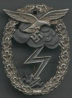 WW2 German Luftwaffe Ground Combat Badge     -   WW2 German Medal