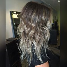 Here's Every Last Bit of Balayage Blonde Hair Color Inspiration You Need. balayage is a freehand painting technique, usually focusing on the top layer of hair, resulting in a more natural and dimensional approach to highlighting. Ombré Hair, Hair Dos, Curly Hair, Long Wavy Haircuts, Medium Hairstyles, Layered Haircuts, Spring Hairstyles, Wedding Hairstyles, Medium Haircuts