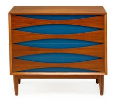 arne vodder. mid century modern furniture design. I love mid century modern furniture, but this side table takes the cake with this turquoise color inset. I will be doing something like this!