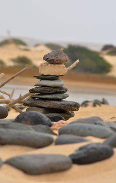 Stones in Boa Vista Stones, Wood, Crafts, Boa Vista, Rocks, Manualidades, Woodwind Instrument, Timber Wood, Stone