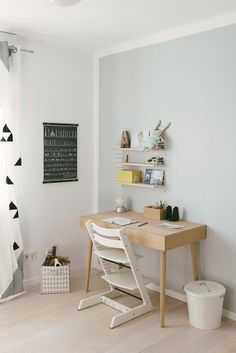 kids room New job Children's room for the school child Acne Home Remedy Acne remedies given below ar Home Office, Kids Office, Montessori Room, Work Station Desk, Bedroom Desk, Big Girl Rooms, Nursery Neutral, Kidsroom, New Room
