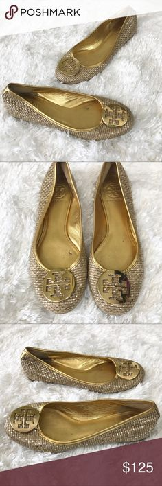 Tory Burch Metallic Straw Reva Ballet Flat In Gold Tory Burch Metallic Straw Reva Ballet Flat. The classic Tory Burch Reva flat in a supple metallic straw style. A great Basic to carry you through the season. Some minor signs of wear and slight heel crease. Smoke free home, fast ship. Tory Burch Shoes