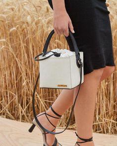 Jacquemus Bag, Spring Bags, Wheat Fields, Popular Bags, Fashion Hub, Retro Pattern, Hermes Kelly, Passion For Fashion, Bucket Bag