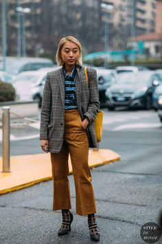 46 Newest Street Style Outfits That Will Inspire You – Fashion New Trends New Street Style, Street Style Women, How To Wear Blazers, Fashion Photography Inspiration, Style Inspiration, Checked Blazer, Street Outfit, Comfortable Fashion, Winter