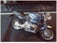 BMW BURAGO MOTORCYCLE RARE LOW PRICE DIECAST METAL WITH PLASTIC PICS - Motorcycles