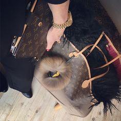 petite chambre sacs main de lv louis vuitton handbags sacs main de mode sacs main de crateurs ncessairement acheter sac vtements