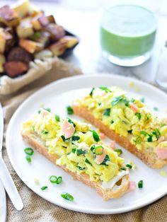 Sunday Brunch: Smoked Salmon, Goat Cheese & Scallion Scrambled Eggs On ...