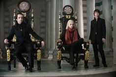 The Twilight Saga: New Moon - Publicity still of Michael Sheen, Cameron Bright & Jamie Campbell Bower. The image measures 4256 * 2832 pixels and was added on 12 September Twilight Saga New Moon, Twilight Film, Vampire Twilight, Twilight Photos, Breaking Dawn, Vampires, Alec Volturi, Moon Film, Cameron Bright