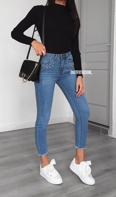 How to wear fall fashion outfits with casual style trends Sneakers Fashion Outfits, Fall Fashion Outfits, Mode Outfits, Spring Outfits, Trendy Outfits, Winter Outfits, Fashion Fashion, Outfit Summer, Cute Jean Outfits