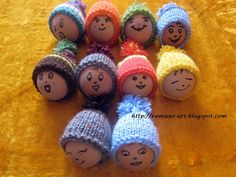 Items similar to Knit mini hat ornaments - Set of 3 small miniature hats - Hand knitted Easter decorationrations - Tiny caps with pompom on Etsy Knitting Wool, Hand Knitting, Christmas Wood, Christmas Ornaments, Big Knits, Egg Decorating, Easter Crafts, Miniatures, Creative