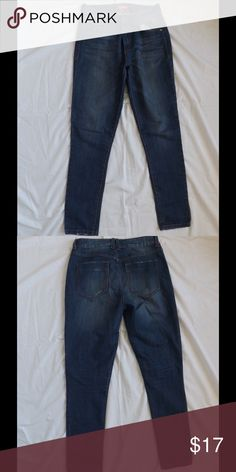 FOREVER21 HIGH WAISTED JEANS Barely worn high waist jeans from FOREVER21 with slightly distressed detailing! Forever 21 Jeans Skinny