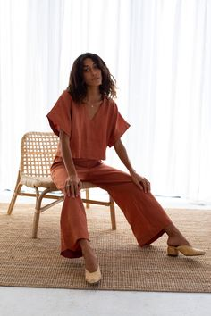 NEW NOW: French linen clothing. A beautiful long pant set that you can Mix and Match. Two new styles, four new colourways. Ready to shop the Elle & Poppy loungewear set. Loungewear Outfits, Loungewear Set, Cosy Outfit, Outfit Sets, 2000s Fashion, Fashion 2020, Women's Fashion, Fashion Trends, Comfortable Fashion