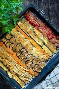 verdure al forno gratinate - Recipes, tips and everything related to cooking for any level of chef. Healthy Dinner Recipes, Vegetarian Recipes, Cooking Recipes, Good Food, Yummy Food, Baked Vegetables, Light Recipes, Vegetable Recipes, Food Inspiration