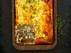 Koko perheelle riittävä munakas on kätevää kypsentää uunissa. Lasagna, Food And Drink, Eat, Ethnic Recipes, Kitchen, Life, Cooking, Kitchens, Cuisine