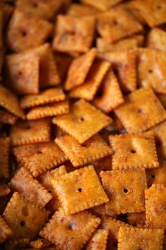 This Smoked Cheez Its recipe is perfect for snacking any time of the day or night. Fire up the grill and smoke these tasty crackers for your next party or tailgating event. Smoker Grill Recipes, Smoker Cooking, Grilling Recipes, Appetizer Recipes, Snack Recipes, Snacks, Grill Appetizers, Cheez It Recipe, Smoking Recipes