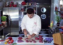 Carne em cubos para estrogonofe por Academia da carne Friboi