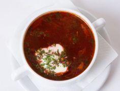 Боршът е зеленчукова супа, обикновено с цвекло, което ѝ придава наситен червен цвят.