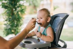 Starting Solid Foods, Starting Solids, Baby First Foods, Introducing Solids, Six Month, Meals For One, Baby Feeding, Baby Food Recipes, Pregnancy