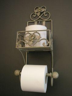 landelijk toilet - Google zoeken Bathroom Toilets, Bathrooms, Wrought Iron, Decoration, Sweet Home, House Design, Inspiration, Home Decor, Interior Ideas