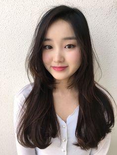 긴머리 레이어드컷 + c컬펌 Layered Haircuts With Bangs, Best Face Products, Cut And Color, Hair Inspiration, Asian Girl, Hair Makeup, Hair Cuts, Hair Color, Hair Beauty
