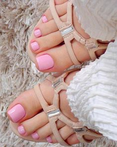Pink Toe Nails, Gel Toe Nails, Pink Toes, Pretty Toe Nails, Gel Toes, Toe Nail Color, Summer Toe Nails, Beach Nails, Pretty Toes