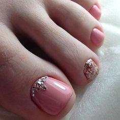 Pretty Toe Nails, Cute Toe Nails, Fancy Nails, Toe Nail Color, Toe Nail Art, Nail Colors, Toenail Art Designs, Acrylic Nail Designs, Classy Nail Designs