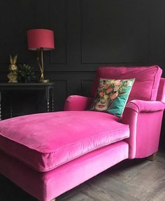 My Living Room, Home And Living, Living Room Decor, Bedroom Decor, Pink Furniture, Velvet Furniture, Hot Pink Bedrooms, Rosa Sofa, Pink Couch