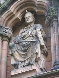 Statue of William the Conqueror on Lichfield Cathedral History Timeline, History Facts, English Monarchs, King William, Duke William, Horrible Histories, Viking Culture, William The Conqueror, Plantagenet