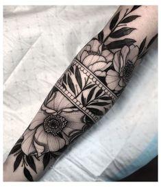 Geometric Sleeve Tattoo, Forearm Sleeve Tattoos, Sleeve Tattoos For Women, Tattoos For Guys, Mandala Tattoo Sleeve Women, Floral Mandala Tattoo, Cool Sleeve Tattoos, Geometric Flower Tattoos, Floral Sleeve Tattoos