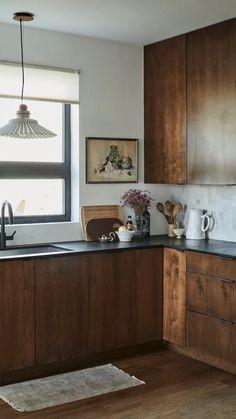 Kitchen Room Design, Modern Kitchen Design, Interior Design Kitchen, Kitchen Decor, Kitchen Ideas, Architectural Digest, House Of Hackney Wallpaper, Dark Kitchen Cabinets, Island Kitchen