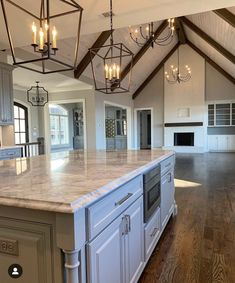 New living room lighting ceiling interior design beams Ideas Dream Home Design, My Dream Home, Style At Home, Country Style Homes, Craftsman House Plans, Living Room Kitchen, Kitchen Grey, Granite Kitchen, Marble Countertops